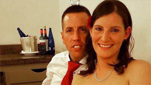 El Chicle, quien este sábado ha confesado los hechos, junto a su mujer, ya en libertad.