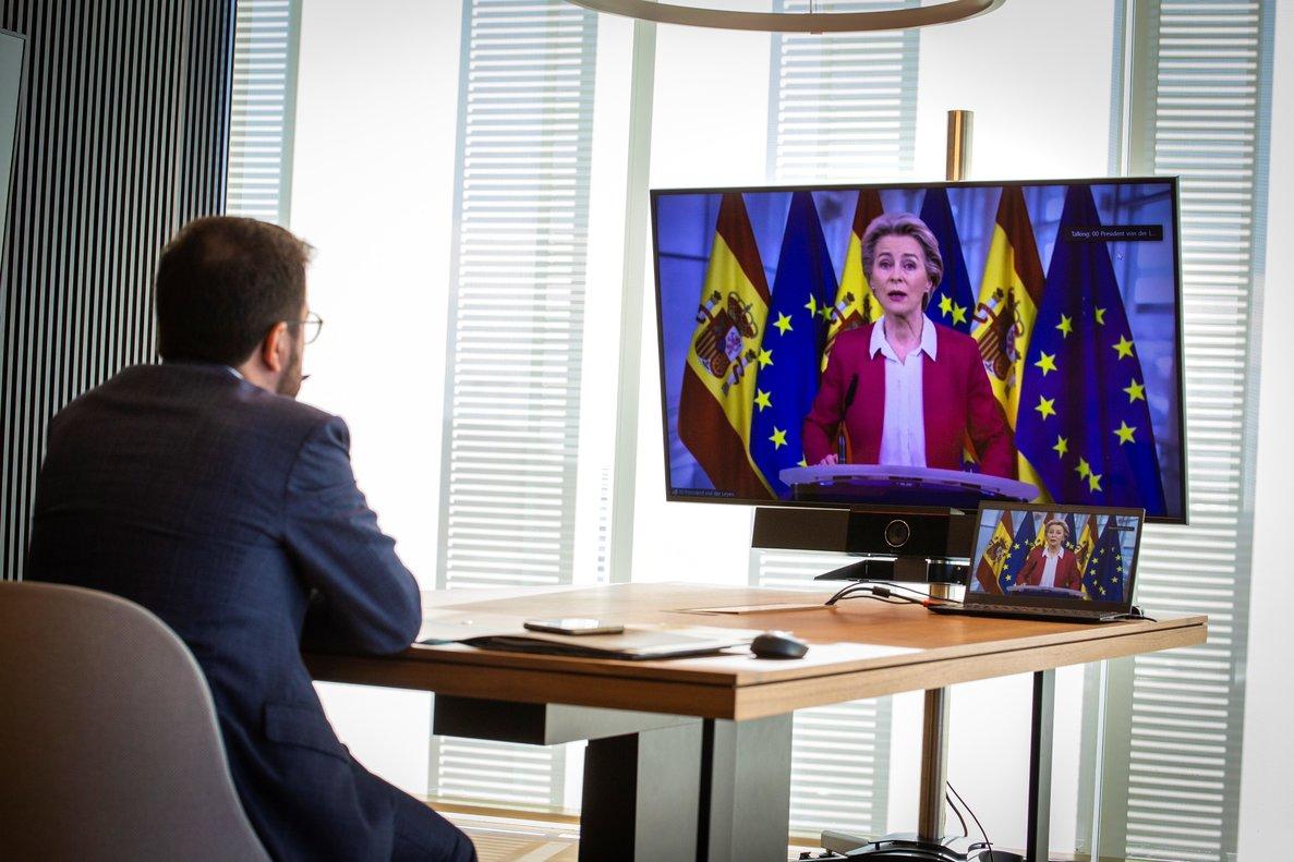 Aragonèsescucha a Von der Leyen en la cumbre autonómica telemática del 26 de octubre.