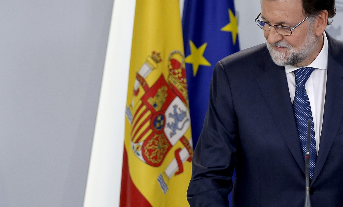 "Rajoy da ocho días a Puigdemont para que vuelva ""a la legalidad"""