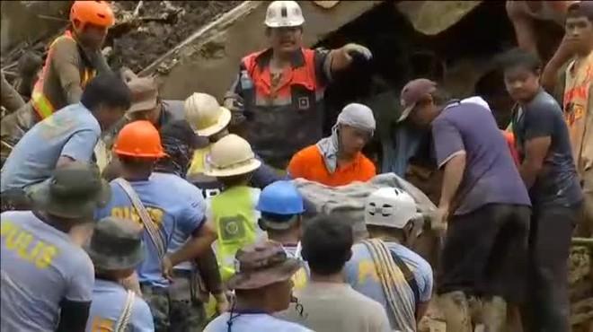 El tifó 'Mangkhut' entra a la Xina debilitat després de deixar més de 60 morts a les Filipines