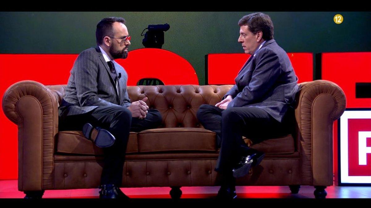 Risto Mejide hablando con Juan Carlos Quer en 'Chester'.