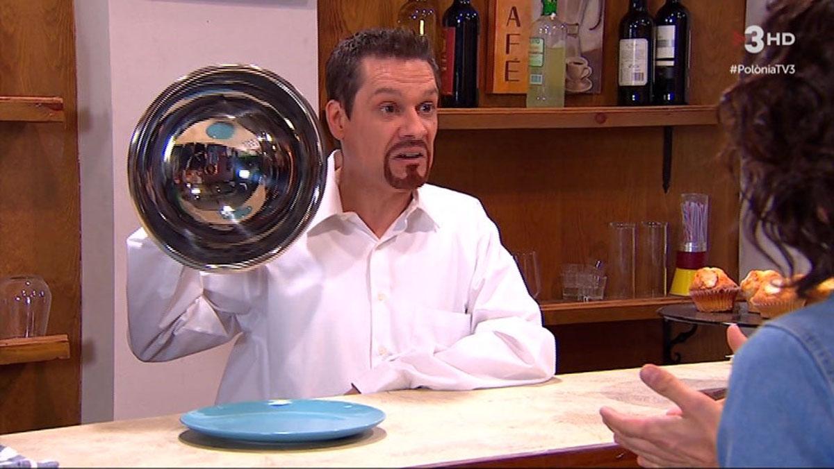 El cambrer i el plat sense croissant (Polònia, TV-3).