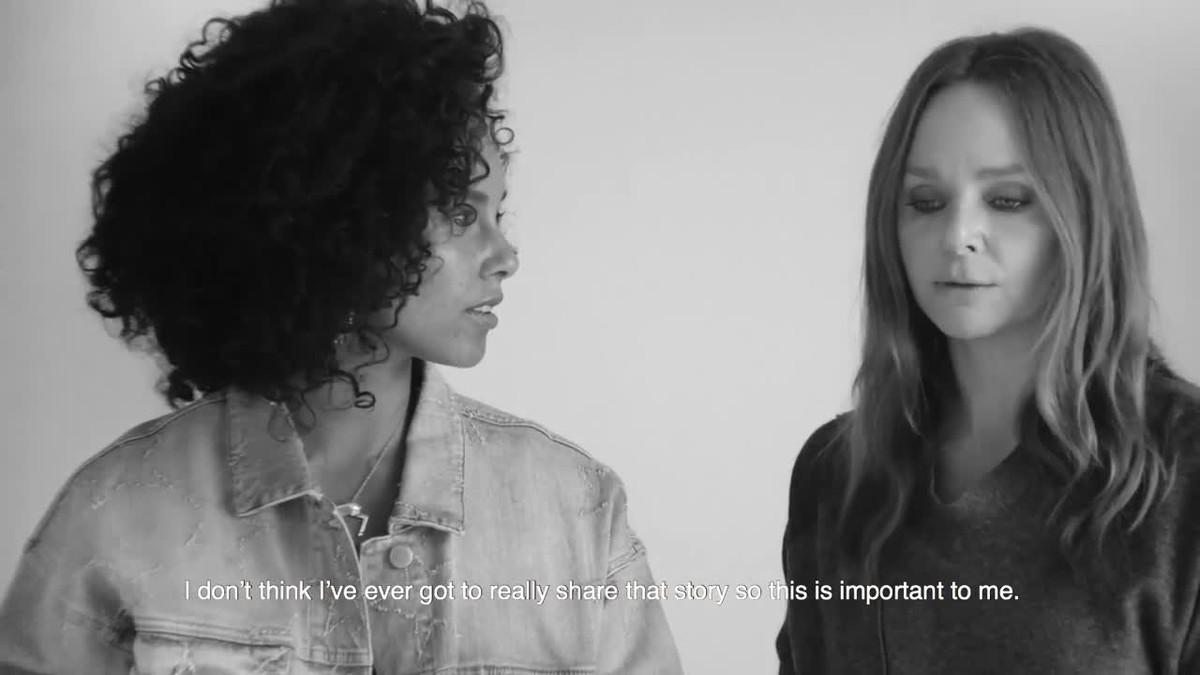 Stella McCartney ficha a Alicia Keys para protagonizar la campaña Breast Cancer Awareness 2017.