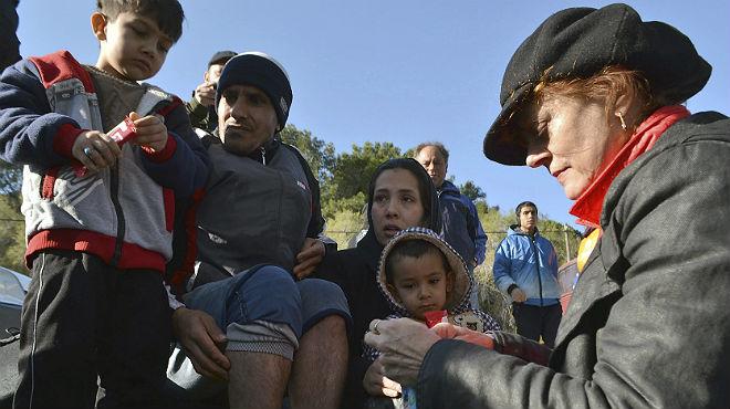 La actriz Susan Sarandon va a pasar sus Navidades ayudando a los refugiados sirios llegados a la isla griega de Lesbos.