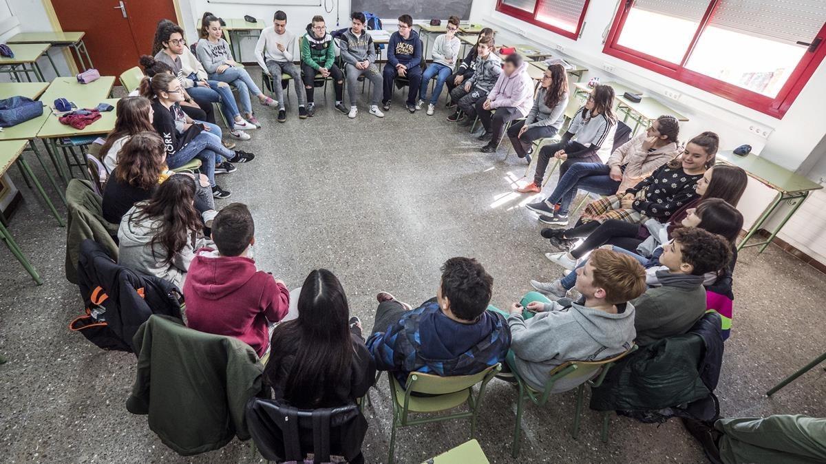 Taller sobre identidades sexuales en una clase de segundo de ESO del instituto Ramon Berenguer IV de Santa Coloma de Gramenet.
