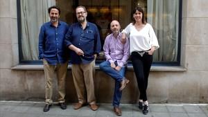 Tomás Bárbulo, Juan Bas, Horacio Convertini y Mabel Lozano (de izquierda a derecha), ganadores de los premios de la Semana Negra de Gijón.