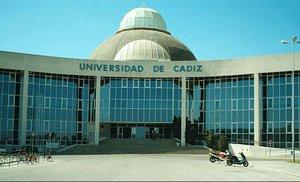 Detingut un catedràtic per haver desviat fons de la Universitat de Cadis per a una mansió