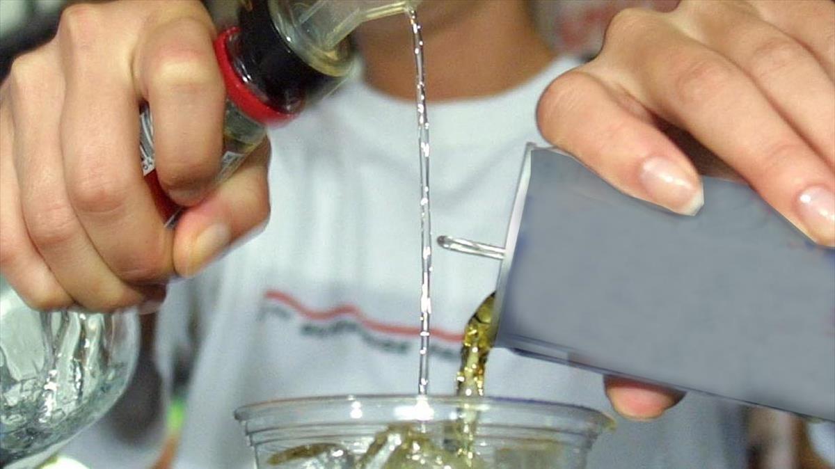 Les begudes energètiques es podrien desaconsellar als menors de 16 anys