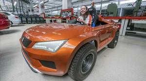 Meritxell Castells, alumna de Seat: «Ara els meus amics m'envegen: cobro i tinc cotxe»