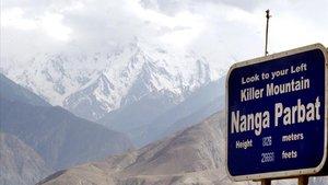La montaña pakistaní Nanga Parbat en julio de 2004.