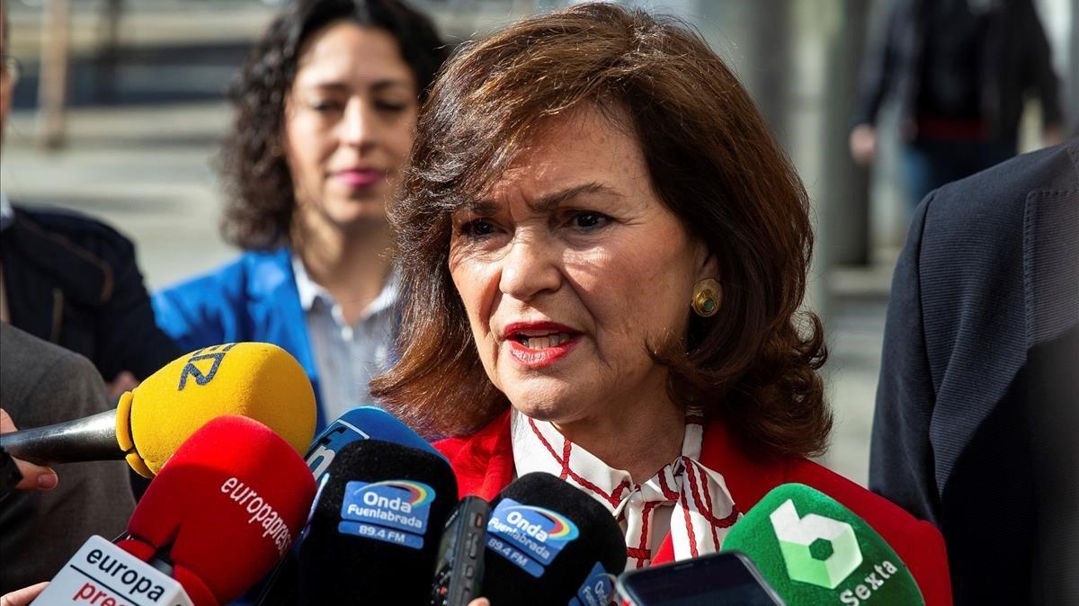 Carmen Calvo, vicepresidenta del Gobierno, en una atención a los medios de comunicación.