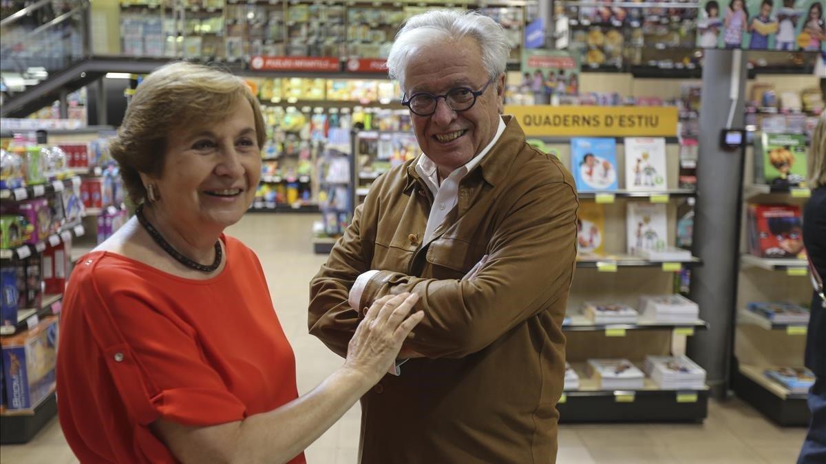 Maravillas Rojo y Joan Clos, en Abacus, minutos antes de la presentación del libro.