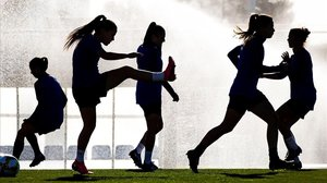 Ombres a la Lliga femenina de futbol: del 'boom' a gairebé l'oblit