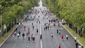 Vista del paseo de la Castellana, en Madrid, cortada al tráfico