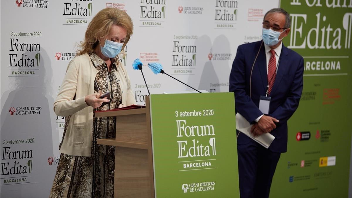 La consellera de Cultura en funciones Mariàngela Vilallonga junto a Patrici Tixis.