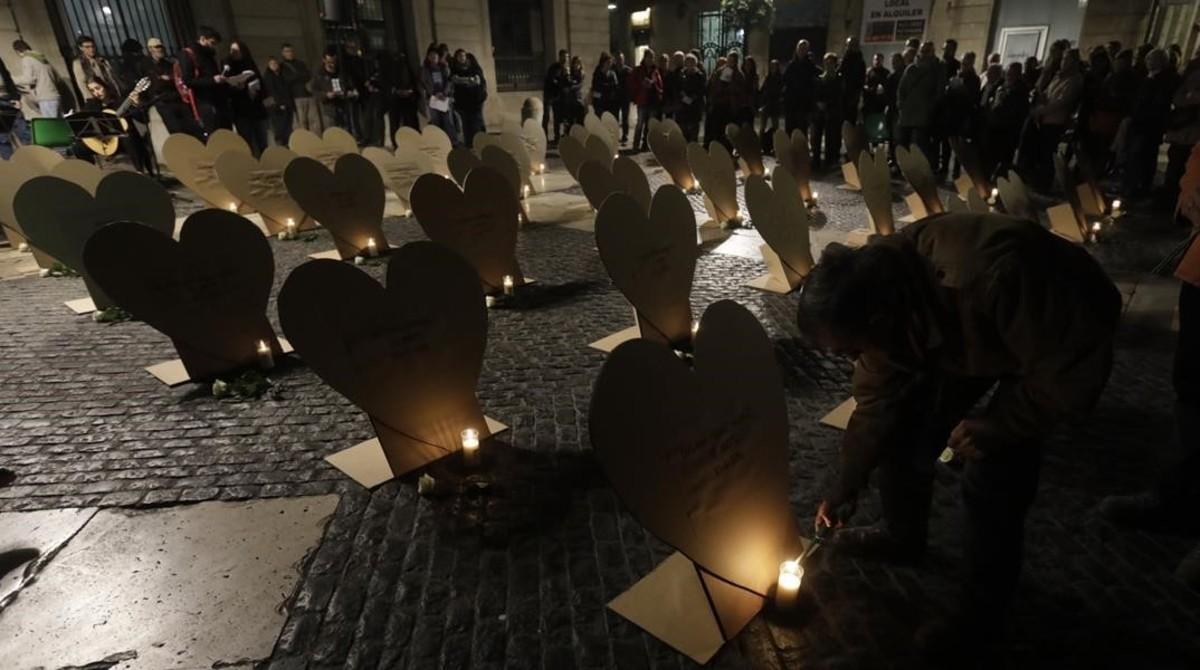 Homenaje a las personas sin techo fallecidas en BCN convocada por la fundación Arrels, en noviembre del 2016.