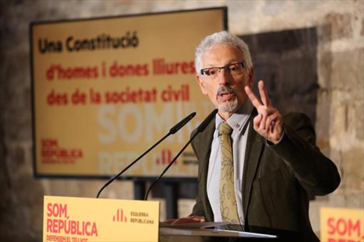 Santi Vidal, durante <br/>un acto de campaña electoral en el año 2015.