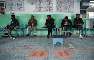 Víctimas de las minas en Afganistán y están en su proceso de rehabilitación.