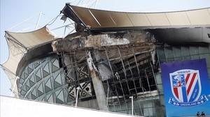 Así quedó la parte incendiada del estadio Hongkou.