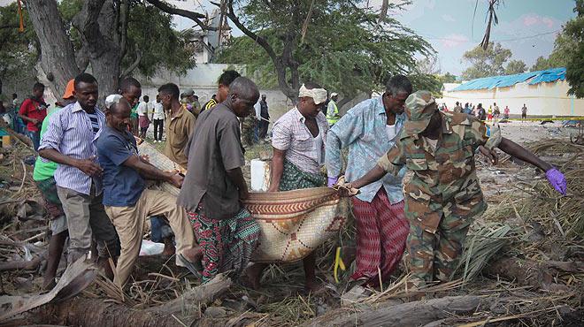 Atentado con coche bomba suicida en Mogadiscio.