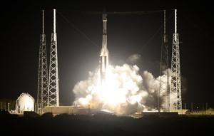 Llançament del coet 'Atlas V', aquest dijous, des de Cap Canaveral, Florida.