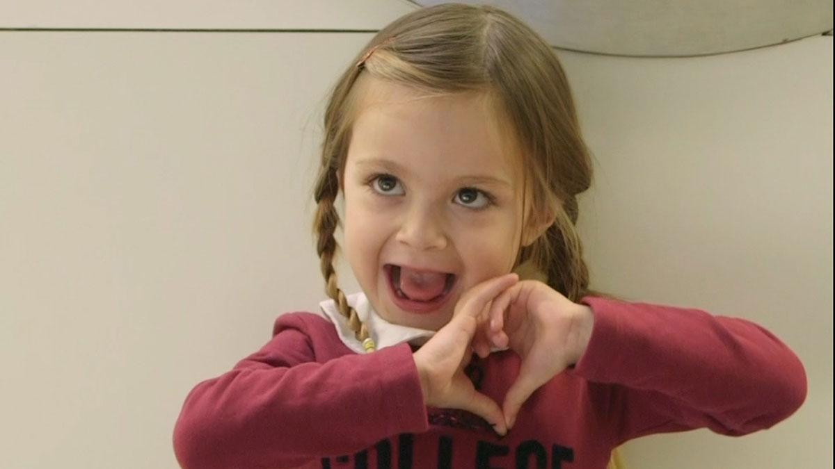 Campaña Toca el cor del Hospital Vall dHebron a favor de la investigación de las cardiopatías infantiles.