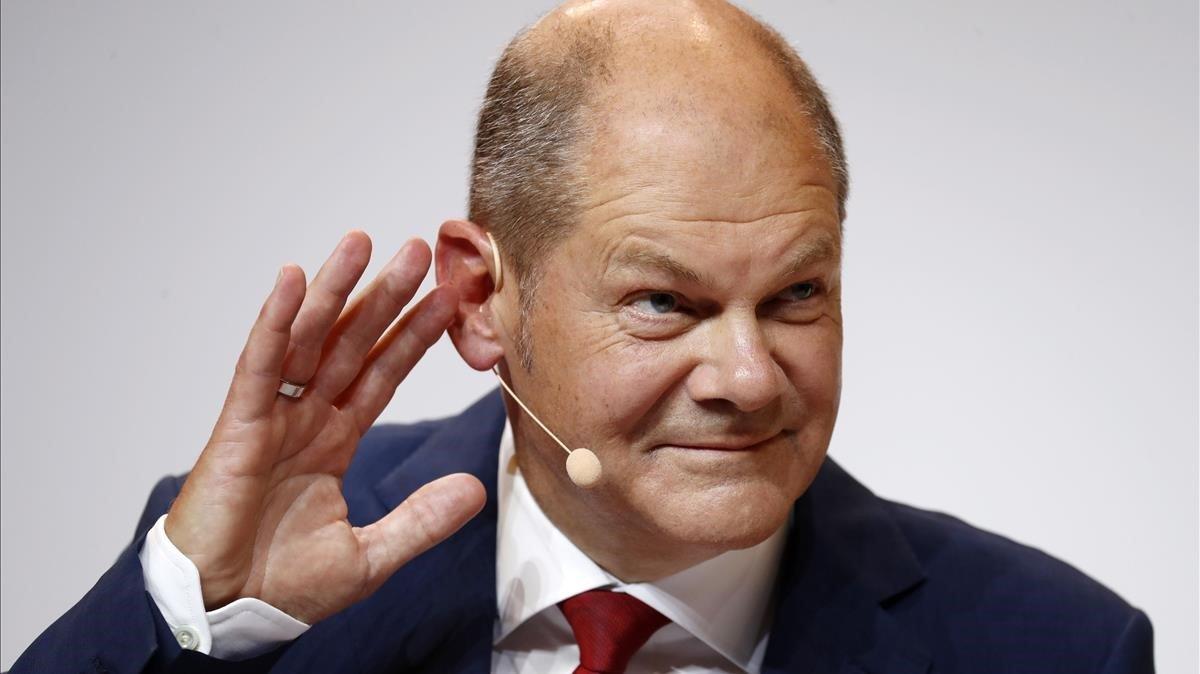 El candidato del SPD a la cancillería alemana, Olaf Scholz, este lunes en una rueda de prensa en Berlín.