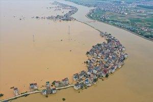 Ciudad de Jiujiang completamente inundada.