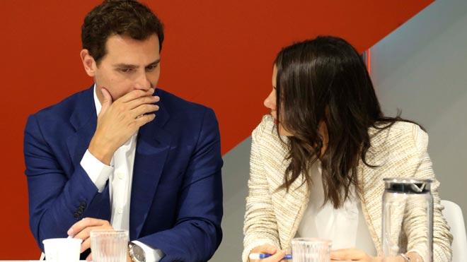 Buscarán acuerdos de manera preferente con el PP, ha dicho Villegas, y excepcionalmente lo harán con el PSOE siempre y cuando asuman las condiciones programáticas naranjas.