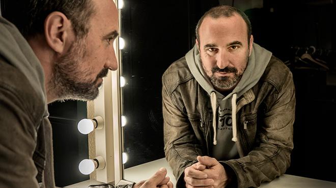 El director, guionista y productor de cine y televisiónnos habla sobre la serie Sé quién eres, de Tele 5.