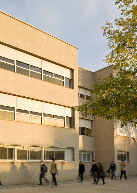 De momento, los alumnos del Instituto Santa Coloma harás las primeras clases en la Escuela Oficial de Idiomas de la localidad.