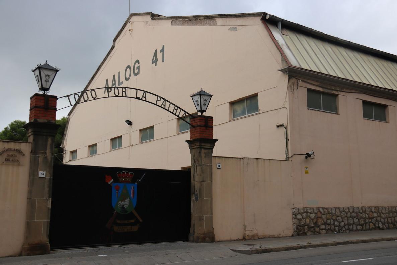 Exterior de una de las entradas del cuartel militar ubicado en Sant Boi