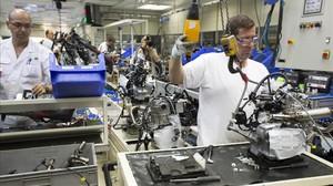 Fábrica de Montesa en Santa Perpétua donde se combina empleo y robotización.