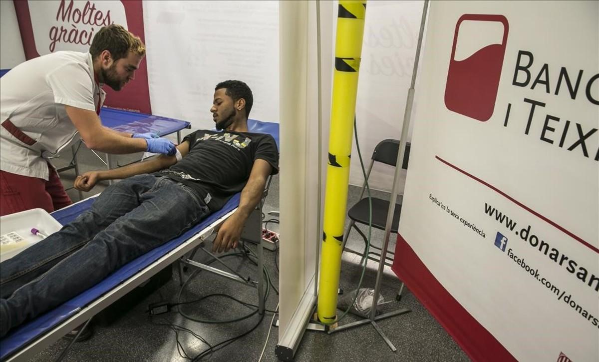 Imagen de archivo de una donación de sangre.