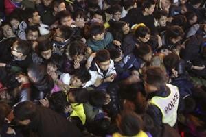 Imagen de la avalancha humana, ocurrida en el Bund de Shanghái.