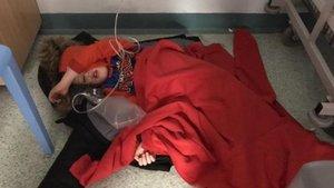 Jack Willimant, el pequeño de cuatro años con neumonía que tuvo que dormir en el suelo en Urgencias del hospital de Leeds.