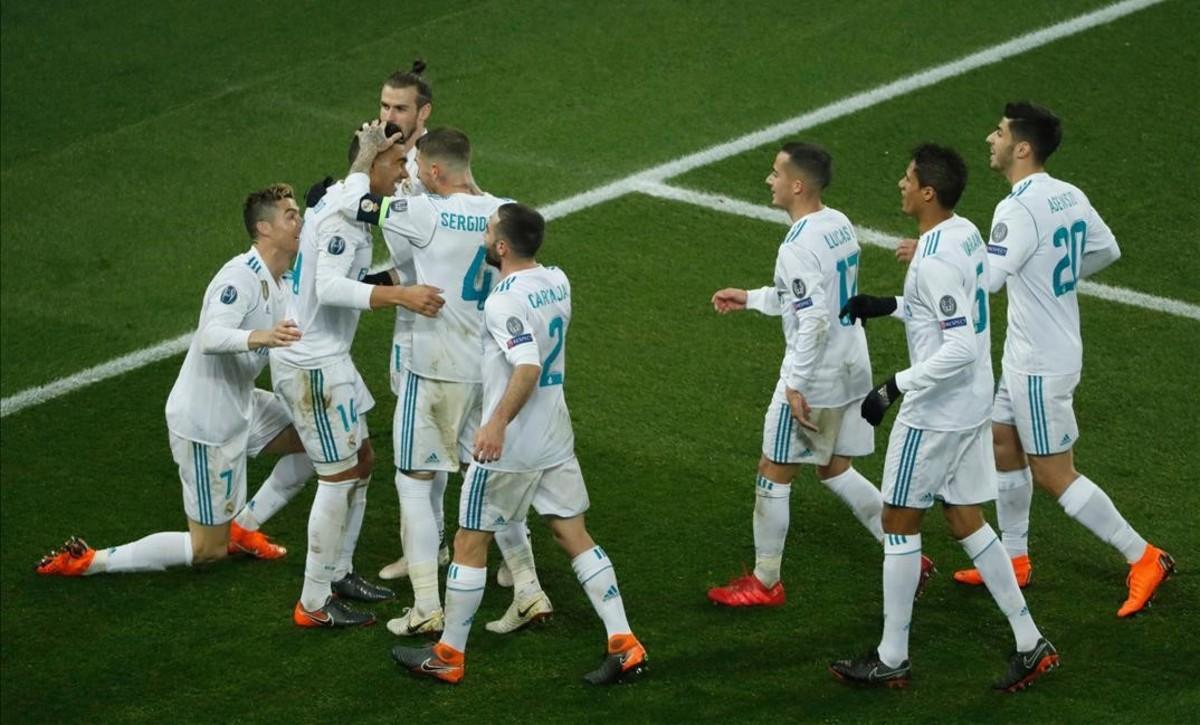 El Madrid en bloque celebra el segundo gol, obra de Casemiro.