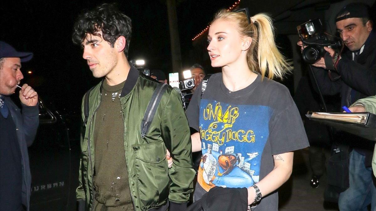 Joe Jonas y Sophie Turner, en Los Ángeles.