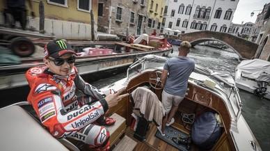 Yamaha confirma que medita rescatar a Lorenzo con una tercera moto oficial