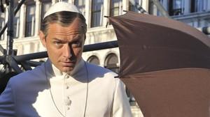 Jude Law, durante el rodaje en Venecia de la serie 'The young Pope'.