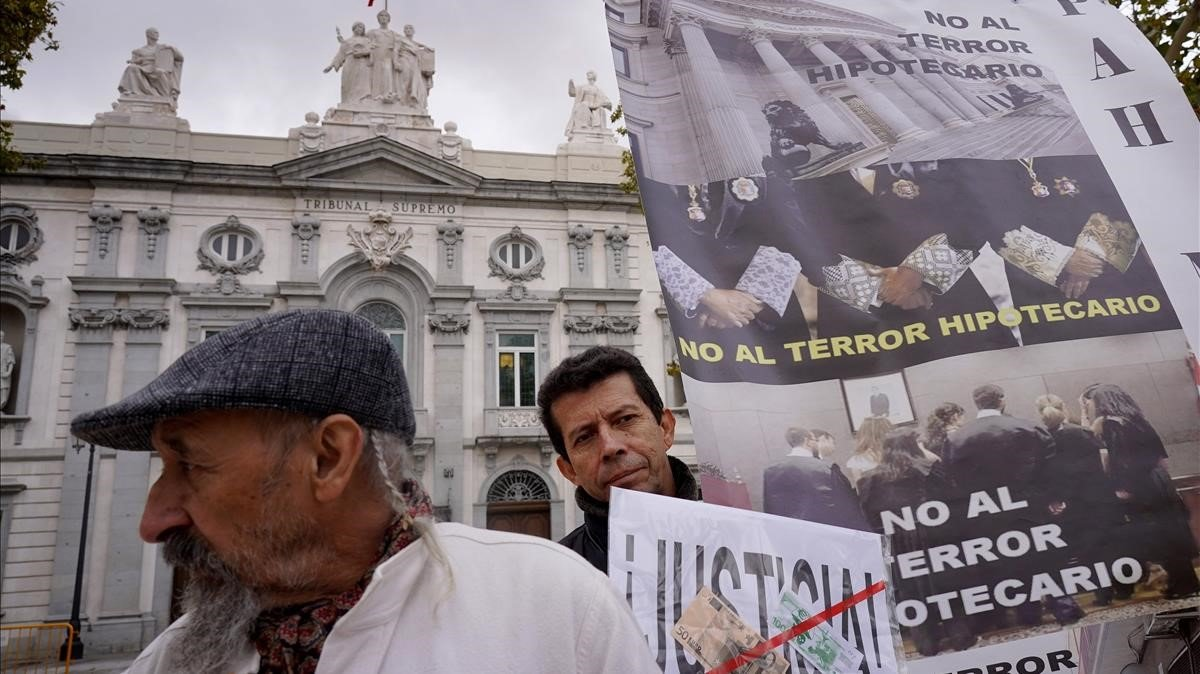 Concentración de protesta frente al Tribunal Supremo en Madrid.