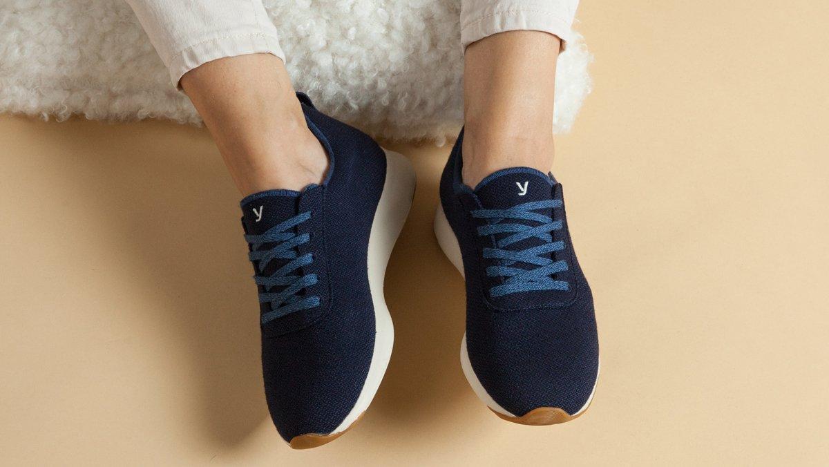 Las zapatillas Yuccs, fabricadas en España con lana merino.
