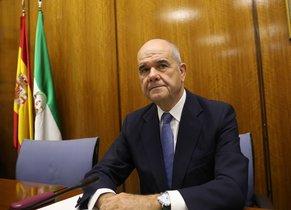 L'expresident andalús Manuel Chaves, davant la comissió parlamentària que investiga irregularitats en la Fundació Andalusa Fons de Formació i Ocupació.