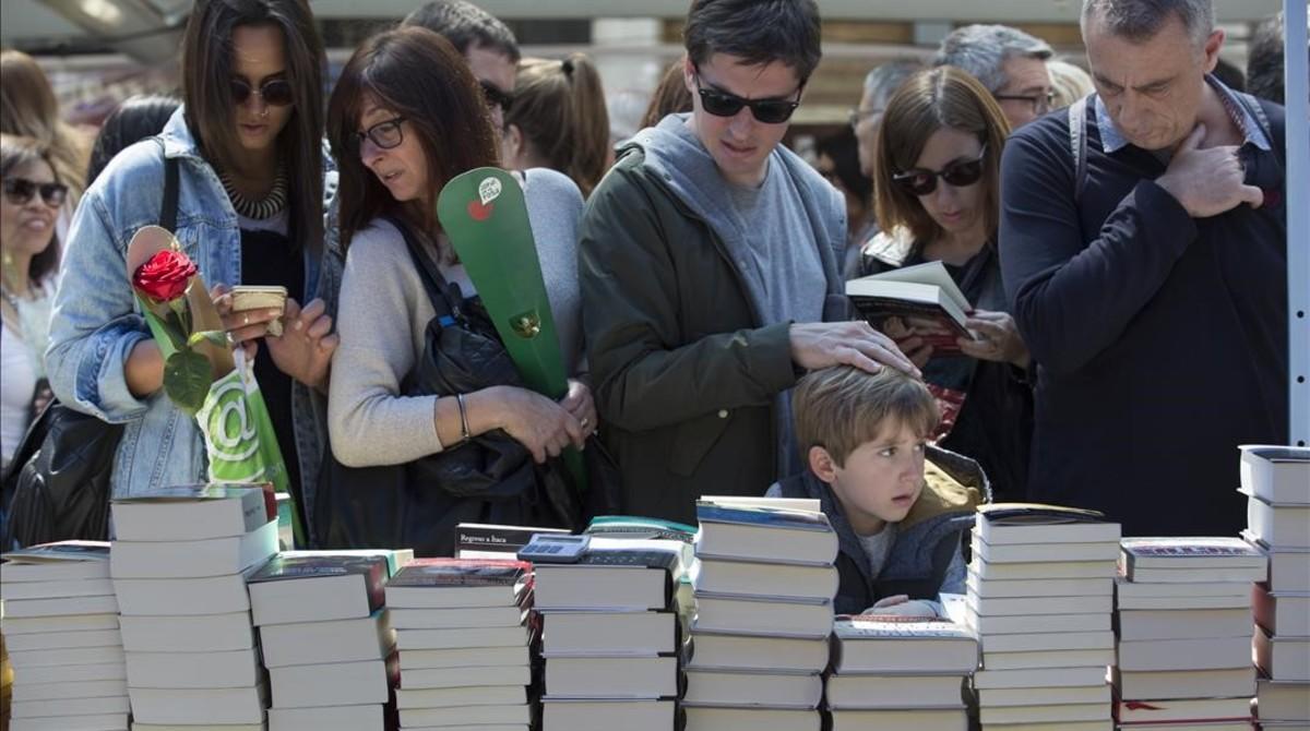 Les vendes del Sant Jordi van pujar un 3% i el llibre en català arriba al 54%