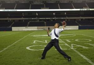 Obama se sumó a la lista de famosos que siguieron de cerca la Super Bowl