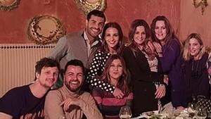Paula Echevarría, junto a Miguel Torres en una cena con un grupo de amigos.