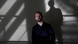 El periodista y escritor norteamericano Chris Ruen, en Madrid, donde ha presentado '#Gorrones'.