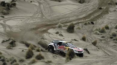 El pilot francès de Peugeot Stephane Peterhansel, durant la setena etapa del Dakar 2017 entre La Paz i Uyuni (Bolívia).