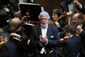 Plácido Domingo (77) ha sido cantante de ópera, director de orquesta y, actualmente, es director general de la Ópera de Los Ángeles.