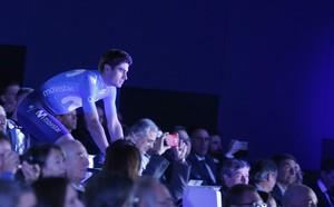 GRAF872. MADRID (ESPAÑA), 05/10/2017.- El ciclista vasco del equipo Movistar, Mikel Landa, durante la presentación del equipo Movistar 2018 en el Auditorio Teléfonica en Madrid. EFE/JAVIER LIZÓN